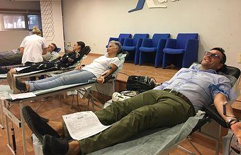 Cerca de 40 personas donan sangre en el corazón de Campollano
