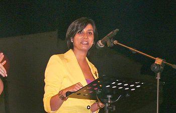 La portavoz del Gobierno regional, Isabel Rodríguez, pregonó anoche las fiestas del Barrio de Maternidad de Tomelloso (Ciudad Real).