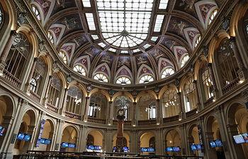 Interior del edificio de la Bolsa de Madrid. Foto: Europa Press 2020
