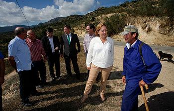Soriano visita rebaño cabra celtibérica-1. Foto: JCCM.