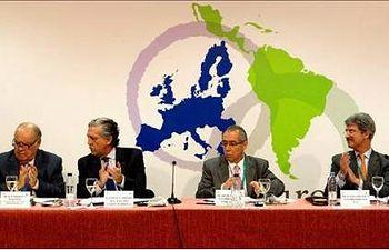 El secretario de Estado español para la UE, Diego López Garrido (2i), durante la IV Sesión Plenaria Ordinaria de EUROLAT. EFE