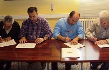 Firma del convenio por los delegados de CCOO