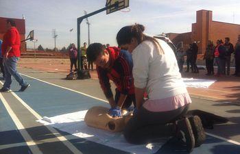 Los alumnos del IES Al-Basit participaron en un Taller sobre Emergencias Sanitarias y Cuidados Auxiliares de Enfermería