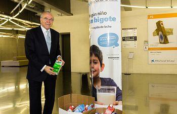 Isidro Fainé - Ningún niño sin bigote.