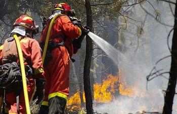 Incendio en Yeste. Foto Twitter @UMEgob