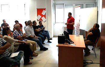 Carlos Pedrosa, secretario general de UGT CLM, y Javier González, secretario territorial de UGT Albacete en la asamblea informativa celebrada en UGT Albacete.