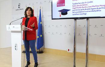 La consejera de Igualdad y portavoz del Gobierno regional, Blanca Fernández, comparece en rueda de prensa, en la Delegación de la Junta de Ciudad Real, para informar sobre los acuerdos del Consejo de Gobierno. (Fotos: JCCM).