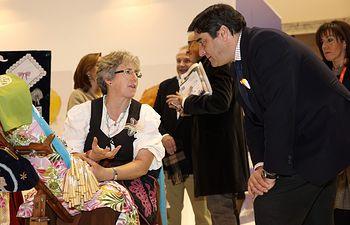 Echaniz visita el stand de Castilla La Mancha en FITUR 1. Foto: JCCM.
