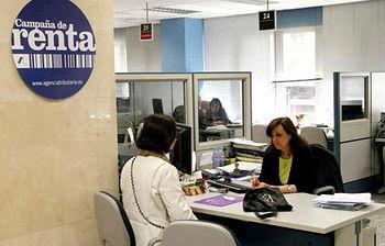 Campaña de la renta-(archivo-EFE).