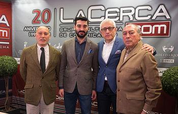 """Manuel Cortés Amador (Manuel \""""de Paz\""""), torero, Antón Cortés Vargas, torero, Sebastián Cortés Amador, torero, y Manuel Lozano Serna, director del Grupo Multimedia de Comunicación La Cerca."""