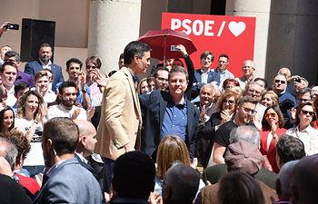 Acto público del secretario general del PSOE y presidente del Gobierno, Pedro Sánchez, junto con el secretario regional del PSOE y presidente de Castilla-La Mancha, Emiliano García-Page, y la alcaldesa de Toledo, Milagros Tolón. (FOTOS: José Ramón Máqruez/PSCMPSOE)
