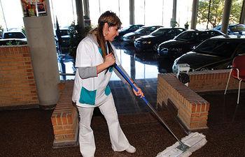 El servicio de limpieza y mantenimiento de instalaciones, también forma parte de los ofrecidos por AMIAB.