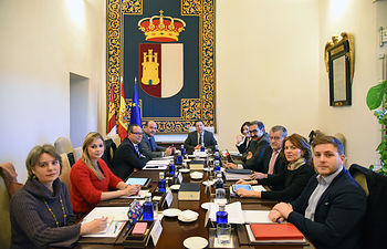 Toledo, 16-01-2017.- El presidente de Castilla-La Mancha, Emiliano García-Page, preside la reunión del Consejo de Gobierno que se ha celebrado hoy en el Palacio de Fuensalida. (Foto: José Ramón Márquez // JCCM)