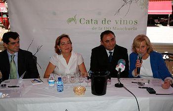 Soriano inauguracion Cata DO Manchuela en la feria de Albacete