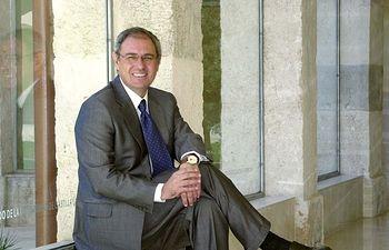 Ernesto Martínez Ataz