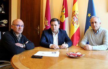 Serrano se reúne con Francisco Cebrián, decano Facultad de Humanidades de Albacete