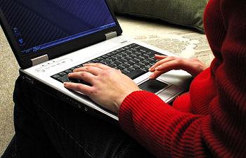Los titulados de la UCLM podrán acceder a su título desde cualquier punto con conexión a internet
