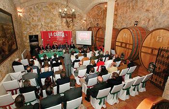 Sala noble de barricas en la bodega Los Aljibes, sede de la V edición del Fórum CLM.
