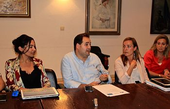 Paco Núñez nombra a Claudia Alonso portavoz regional de su candidatura