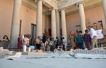 Exposición de maquetas en el patio de Lorenzana.
