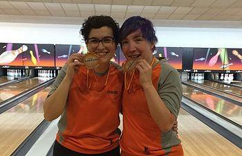 Las castellano-manchegas Raquel Mir y Carolina Muñoz campeonas absolutas del Ct. España por Parejas de Bowling