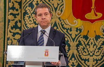 El presidente de Castilla-La Mancha, Emiliano García-Page, mantiene una reunión de trabajo con el alcalde de Cuenca, Darío Dolz. (Fotos: A. Pérez Herrera / JCCM).