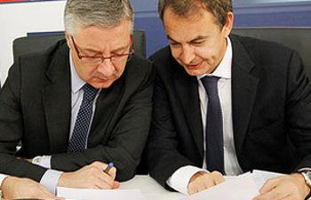 José Blanco y Zapatero, durante la última Ejecutiva del año