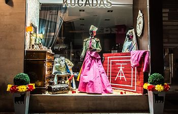 Escaparate de Kucadas, en la calle Zapateros, 11