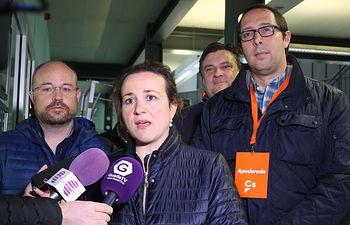 María Ángeles Rosado junto a Felipe Oliva y Alejandro Ruiz.