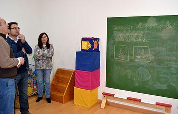 El candidato del PSOE a la Alcaldía visitó las instalaciones en las que la Asociación Desarrollo brinda apoyo y atención a 187 niños, afectados de autismo