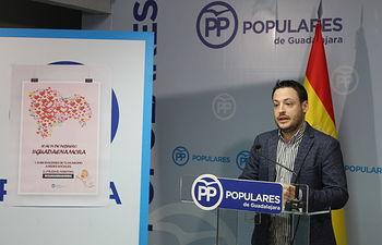 Rueda de prensa que ha ofrecido el presidente de NNGG Guadalajara, Álvaro Vara.