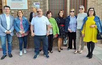 Pedro Soriano escucha las necesidades de los vecinos del Barrio la Vereda.