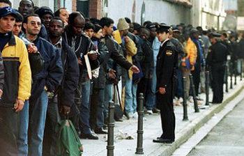 Inmigrantes solicitan empadronamiento