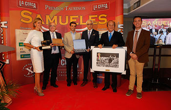 Mención de Honor del Jurado a Su Majestad don Juan Carlos I, en la Gala de Entrega de los X Premios Taurinos Samueles, pertenecientes a la Feria Taurina de Albacete 2015