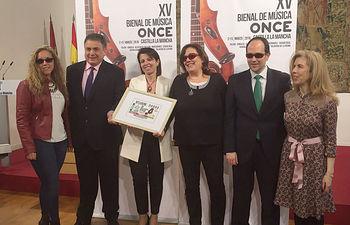 Foto de familia de la presentación, en Toledo, de la XV Bienal de Música de la ONCE.jpg