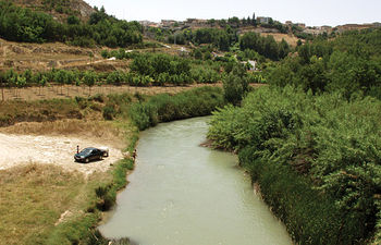 Río Júcar a su paso por la localidad de Valdeganga (Albacete).