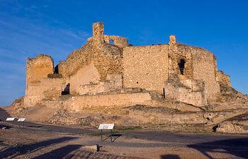 El Castillo de Calatrava la Vieja, de gran valor estratégico, se convirtió en sede de la primera orden militar hispana.