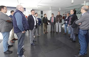 Reunión celebrada en FEDA entre candidatos del PSOE al Congreso y al Senado y representantes de las principales empresas vinculadas a las energías renovables.