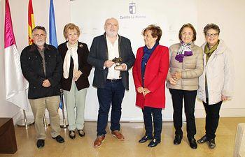 El Gobierno regional muestra su apoyo a las actividades del colectivo ALUEX.