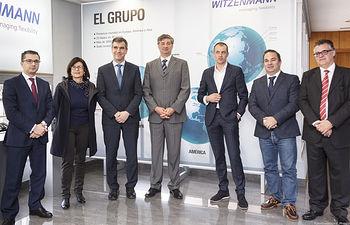 El alcalde visita la fábrica Witzenmann Española