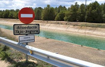 Imagen del Trasvase Tajo-Segura a su paso por Albacete.