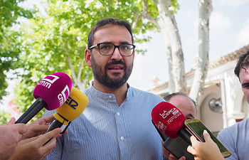 Sergio Gutiérrez, secretario de Organización del PSOE C-LM, visita la Feria de Albacete. Foto: Manuel Lozano García / La Cerca