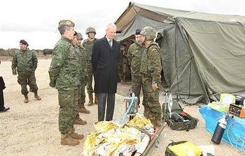 Morenés en la pista de adiestramiento de la BRISAN. (Forto archivo). Foto: Ministerio de Defensa.