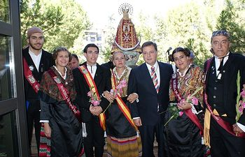 Traslado de la Virgen de los Llanos a su capilla en el Ayuntamiento de Albacete