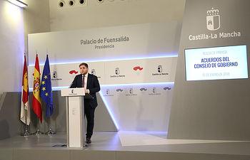 Toledo, 10-01-2018.- El portavoz del Gobierno regional, Nacho Hernando, durante la rueda de prensa que ha ofrecido hoy en el Palacio de Fuensalida para informar de los acuerdos del Consejo de Gobierno. (Foto: Álvaro Ruiz // JCCM)
