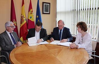 Firma convenio Fundación Globalcaja Albacete.