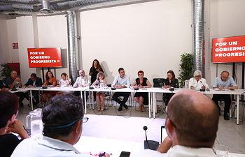 Reunión con una amplia representación de colectivos del sector social y sanitario.