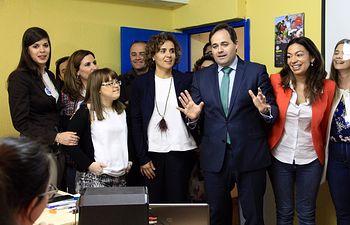 Paco Núñez visita el centro especial de empleo de Down Toledo.