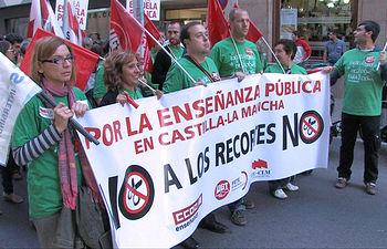 Manifestacion en Albacete contra los recortes en la Enseñanza Pública.