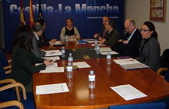 Casero preside el último Consejo de Administración del IPEX. Foto: JCCM.
